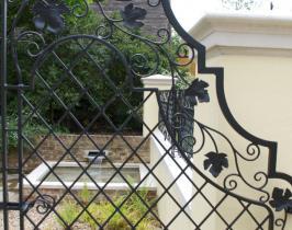 Bespoke garden gate detail